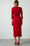 Ayhan Kadın Kırmızı Kuşaklı Kruvaze Elbise