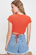 Trend Alaçatı Stili Kadın Turuncu Bisiklet Yaka Bağcıklı Crop Fit T-Shirt ALC-X6042