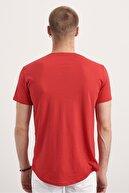 Tarz Cool Erkek Kırmızı Pis Yaka Salaş T-shirt