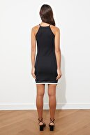 bayansepeti Siyah Asimetrik Kesim Etek Ucu Beyaz Şerit Detay Kolsuz Mini Elbise Emr-005
