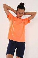 Tommy Life Neon Oranj Kadın Arkası Uzun Kısa Kol Standart Kalıp O Yaka T-shirt - 97152