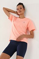 Tommy Life Mercan Kadın Arkası Uzun Kısa Kol Standart Kalıp O Yaka T-shirt - 97152