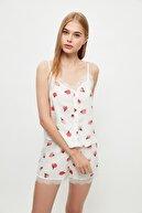 TRENDYOLMİLLA Beyaz Yaka Detaylı Pijama Takımı THMSS21PT0852