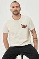 Altınyıldız Classics Erkek Bej Slim Fit Bisiklet Yaka %100 Koton Tişört