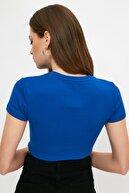 TRENDYOLMİLLA Lacivert Baskılı Crop Örme T-Shirt TWOSS21TS1281