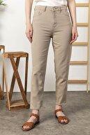 Kadın Modası Kadın Bej Yüksek Bel Cepli Kar Yıkama Mom Kot Pantolon