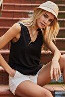 Roop Fabric Göğüs Detaylı Sıfır Kol Bluz Siyah