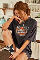 Black Sokak Kadın Antrasit Aloha Baskı Oversize Tshirt