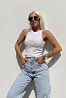 SwistLuxury Kadın Beyaz Sıfır Kol Bisiklet Yaka Crop Bluz 15110