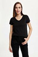 Defacto Kadın Siyah V Yakalı Kısa Kollu T-Shirt