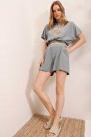Trend Alaçatı Stili Kadın Grimelanj Baskılı Beli Lastikli Crop Top Ve Şort Alt Üst Takım MDA-1204