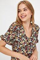 TRENDYOLMİLLA Çok Renkli Çiçek Desenli Elbise TWOSS20EL2431