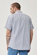 Altınyıldız Classics Erkek Beyaz-Lacivert Regular Fit Düğmeli Yaka Kısa Kollu Yazlık Kareli Gömlek