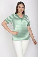 Şans Kadın Yeşil Yaka Ve Kol Ağzı Dantelli Çizgili Bluz 65N26459