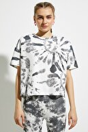 Koton Kadın Siyah Batik Bisiklet Yaka T-Shirt