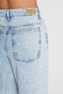 CROSS JEANS Kadın Açık Mavi Yüksek Bel Mom Fit Fermuarlı Jean Pantolon C 4525-019