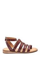 Derimod Kadın Parmak Arası Detaylı Casual Deri Sandalet