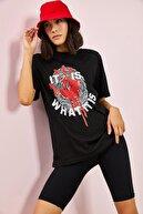 Bianco Lucci Kadın El Izi Baskılı Tshirt