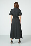Lela Kuşaklı Yırtmaç Detaylı Dar Kesim Gömlek Elbise Bayan ELBİSE 6051334