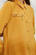 Nihan Gömlek Yaka Kuş Gözü Ve Aksesuar Detaylı Tunik Safran D1175