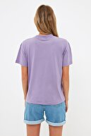 TRENDYOLMİLLA Lila Dik Yaka Basic Örme T-shirt TWOAW20TS0096