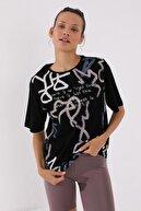 Tommy Life Siyah Kadın Karışık Desenli Yazı Baskılı Oversize O Yaka T-shirt - 97132