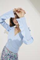 adL Kadın A.Mavi Kolları Volanlı Triko Kazak