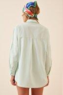 Happiness İst. Kadın Uçuk Yeşil Oversize Uzun Basic Gömlek  DD00842