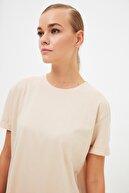 TRENDYOL MODEST Bej Basic Kısa Kollu Örme T-Shirt TCTSS21RT0001