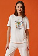 Koton Kadın Ekru Respect Life Yaşama Saygı Yazılı Baskılı T-Shirt