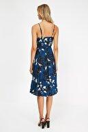 TRENDYOLMİLLA Çok Renkli Çiçek Desenli Örme Elbise TWOSS20EL2729