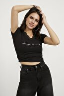 Arma Life Kadın Siyah V Yaka Dantelli Crop Bluz