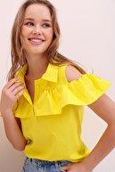 Trend Alaçatı Stili Kadın Sarı Poplin Patlı Fırfırlı Bluz ALC-X6752