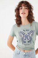 Mavi Kadın Kelebek Baskılı Yeşil Tişört 1601042-35314