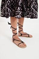 Trendyol Shoes Siyah Hakiki Deri Bağlamalı Kadın Sandalet TAKSS21SD0029