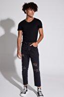 Defacto Erkek Siyah Slim Fit V Yaka Kısa Kollu Tişört M4791AZNSBK27