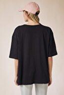 Happiness İst. Kadın Siyah Baskılı Oversize Uzun Penye T-shirt ZV00104