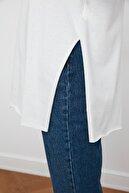LE CARAMBOLE Kadın Beyaz Yandan Yırtmaçlı Oversize Penye T-shirt
