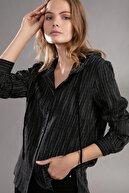 Pattaya Kadın Bağcıklı Kapşonlu Çizgili Gömlek 30699