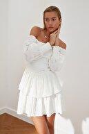 TRENDYOLMİLLA Ekru Gipeli Volanlı Elbise TWOSS21EL3582