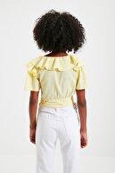 TRENDYOLMİLLA Sarı Kuşaklı Volanlı Bluz TWOSS20BZ0351