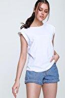 PinkPark Kadın Beyaz Omuzları Zincir Detaylı Vatkalı Bluz Hst0006