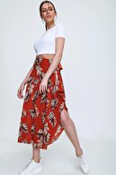 PinkPark Kadın Kırmızı Yaprak Desenli Yanı Yırtmaçlı Etek Nr00001