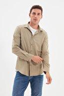 TRENDYOL MAN Haki Erkek Düğmeli Yaka Apoletli Slim Fit Gömlek TMNSS20GO0189