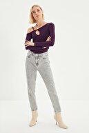 TRENDYOLMİLLA Gri Yıkama Efektli Yüksek Bel Mom Jeans TWOSS21JE0155