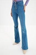 TRENDYOLMİLLA Açık Mavi Önden Düğmeli Yüksek Bel Flare Jeans TWOSS20JE0111
