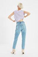 TRENDYOLMİLLA Açık Mavi Yüksek Bel Mom Jeans TWOSS21JE0016