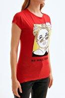 Fullamoda Kadın Kırmızı Baskılı Bisiklet Yaka Tshirt