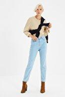 TRENDYOLMİLLA Açık Mavi Yüksek Bel Mom Jeans TWOSS20JE0108