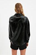 TRENDYOLMİLLA Siyah Kırışık Görünümlü Rugan Ceket Mont TWOSS21MO0067